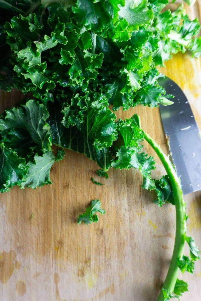 De-stemming kale
