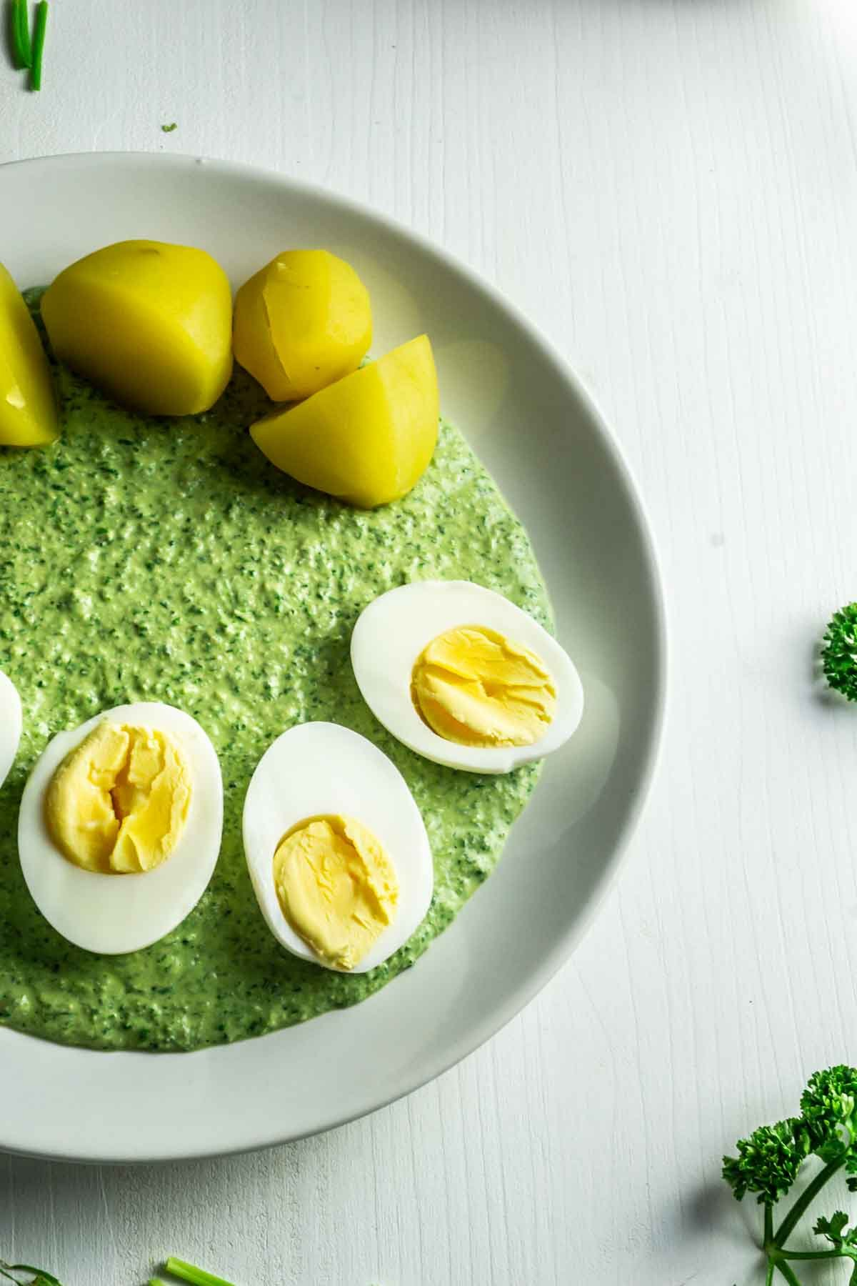 Frankfurter Green Sauce (vegan) with potatoes and eggs