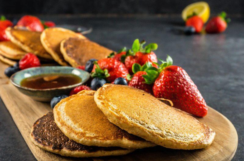Fluffy Lemon Buttermilk Pancakes